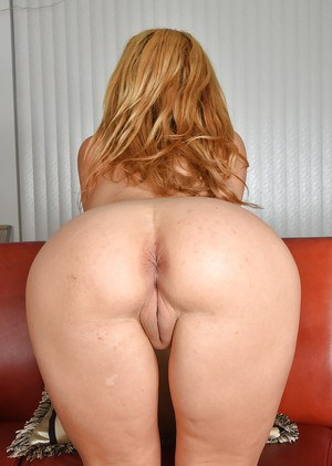 50 yr old stunning blonde playing 5