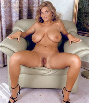 Hot mature spreading nude opinion you