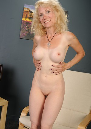 of lady Video naked