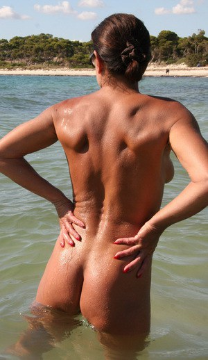 Mature Beach - Naked Mature Ladies-5010