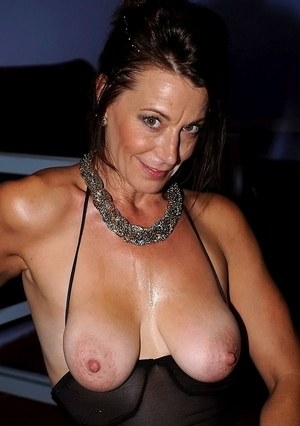 mature saggy tits - naked mature ladies